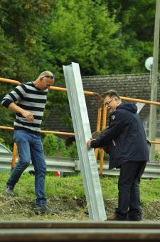 Mészárosék megépítették a legértelmetlenebb zajvédő falat a Balaton-parton