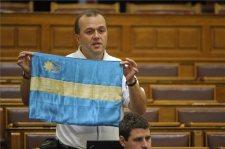 Gaudiék folytatják a földvédelmi nyomásgyakorló akciót