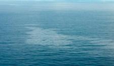Olajfolt a tengeren – valószínűleg a Boeing katasztrófájának a helyszíne