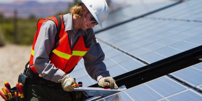 Mennyi a napelemek élettartama?