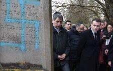 Rabbinővel és néger muzulmán Marseillaise-éneklővel háborogtak a Macron-félék az antiszemétizmus miatt