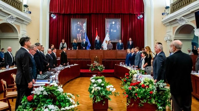 A nagy ballib osztozkodás: évi egymilliárdba kerülnek az új kerületi vezetők