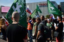 Eddig békésen zajlik a szélsőjobboldali felvonulás