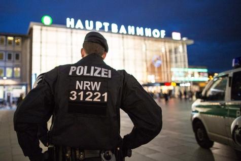 """""""Politikailag kényes az ügy"""", azért hallgatott és hazudozott a német rendőrség – és azért nem gyűjtik be a tetteseket sem"""