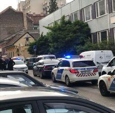 Fegyvert rántott egy munkás a VIII. kerületi Tömő utcában