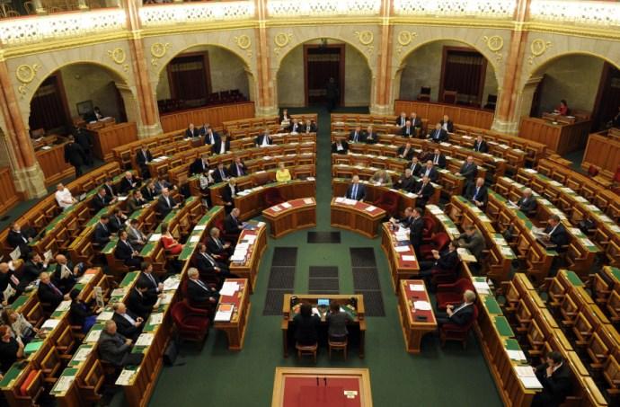 Közép-Ázsia külügyesei Budapestre jönnek, közösen lép fel az ellenzék – ez várható ma
