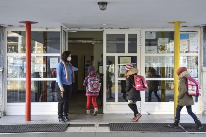 Elemzők: A gyerekeknek az iskolában a helyük, de ma ez nem a legjobb ötlet