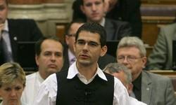 Novák Előd vádlott, a szörnyemlékmű alatt meg egyetlen ruszki sem nyugszik…