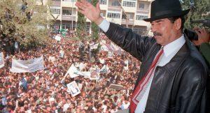 """Az új svéd """"Migráns Párt"""" vezetője szorítóba került, miután Saddam Husszeint dicsérte"""