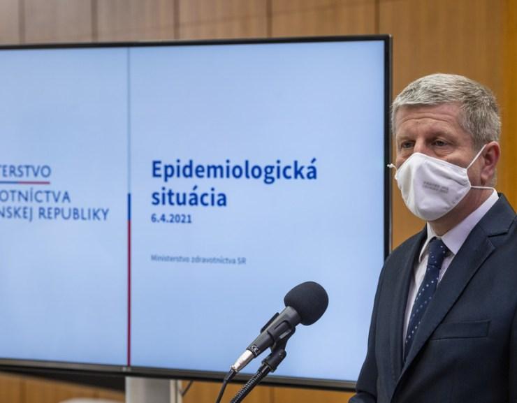 Lengvarský: A nagyobb átoltottságú járásokban ősszel kevesebb lesz a korlátozás