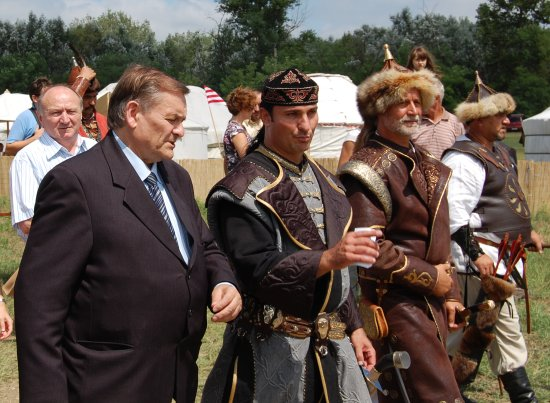 """Lezsák Sándor: a Kurultáj azt üzeni, mi is a """"kincses Kelet"""" örökösei vagyunk"""