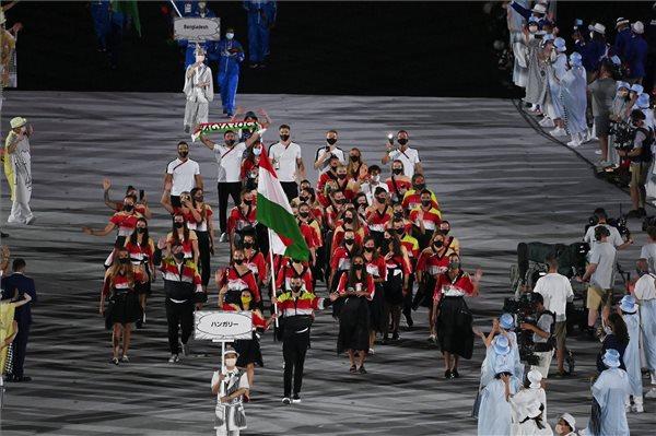 Tokió 2020 – A magyarok Cseh és Mohamed vezetésével bevonultak az Olimpiai Stadionba