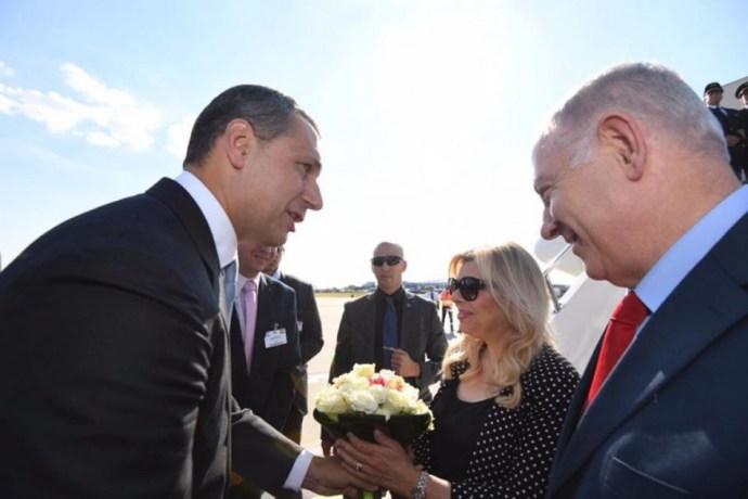 Megérkezett Netanjahu, az izraeli báty