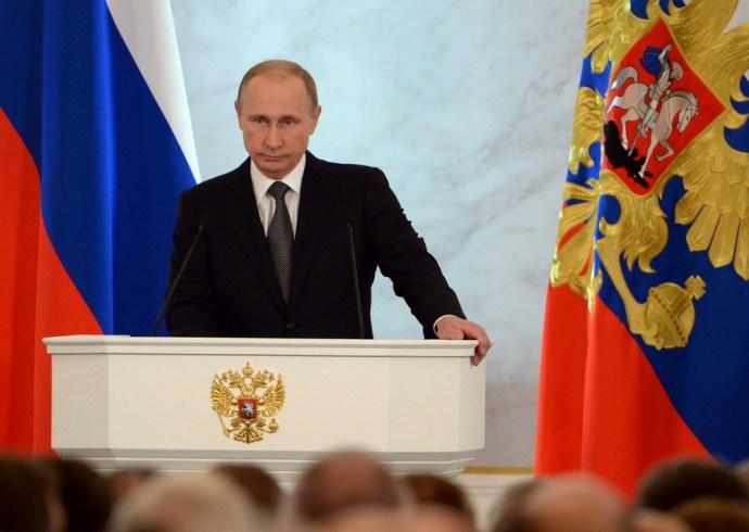 Vlagyimir Putyin üzent Európának és Amerikának