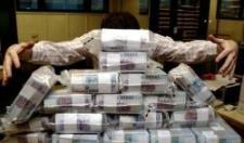 Négymilliárdos költségvetési csalással vádolnak egy tatabányai bűnszervezetet