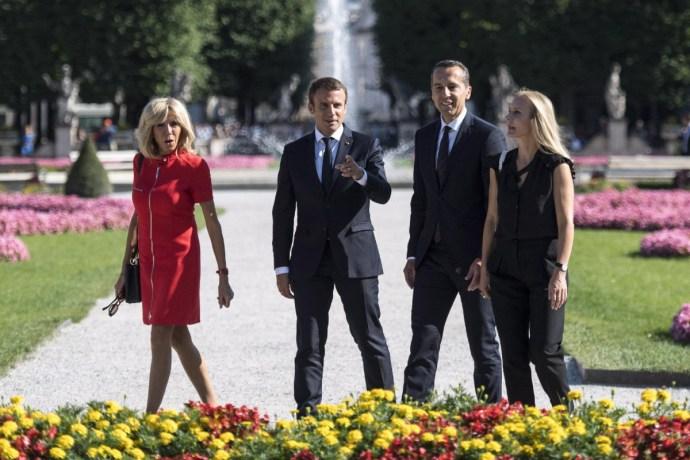 A magyarokat és a lengyeleket megkerülve keres szövetségeseket Emmanuel Macron