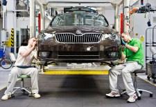 A BMW után Kassa újra játékban: a Škoda külföldön hozna létre autógyárat