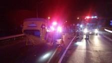 A felborult, kigyulladt autóban találtak rá a sofőrre – fotó