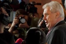 Repkedtek a trágárságok a cseh éterben: élő adásban volt az elnök