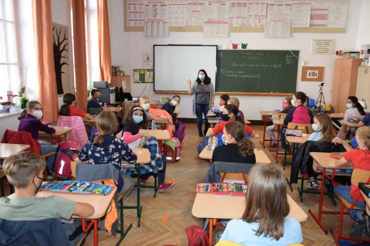 Megnéztük a román tételeket a nyolcadikos magyar diákok képességfelmérõ vizsgáján