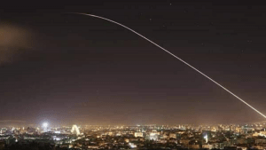A Szíriai légvédelem izraeli rakétákat semmisített meg Damaszkusz fölött (videó)