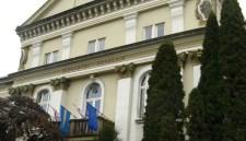Csíkszereda – Levették a Városháza feliratot
