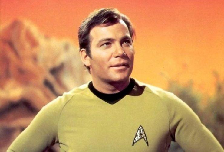 A Blue Origin sikeresen megjárta a világűrt. Vele együtt Kirk kapitány is a Star Trekből (Képek, videó)