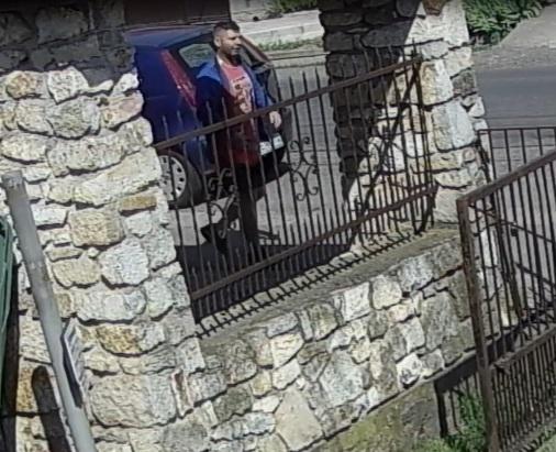 Ezt a két tolvaj cigányt (is) keresi a rendőrség