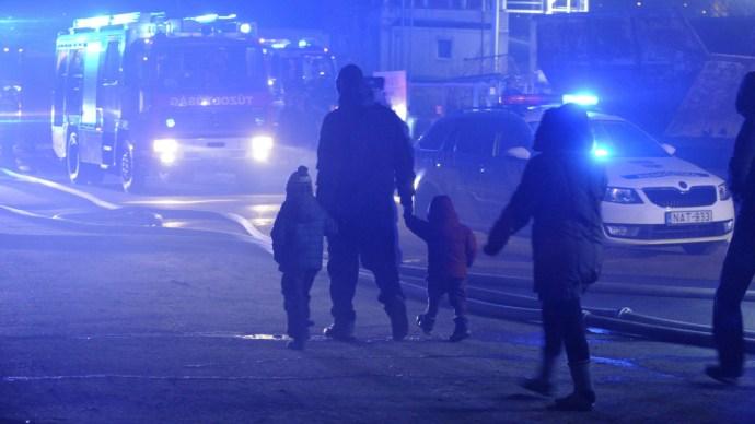 Öt ház lángolt Budapesten, robbanások is voltak