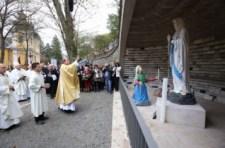 Megáldották az új lourdes-i barlangot Mátraverebély-Szentkúton