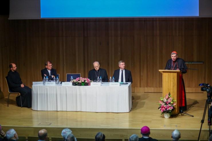 Isten és a világ – Ökumenikus konferenciát rendeztek a Pannonhalmi Főapátságban