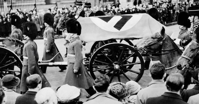 Amikor német nemzetiszocialisták brit katonákkal együtt London utcáin masíroztak
