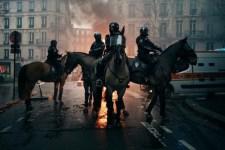Fegyverekkel mennek a tüntetők Párizsba? Európát is magával ránthatja