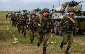 Orosz-tádzsik-üzbég hadgyakorlatot tartanak az afgán határ mentén
