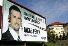 A Jobbik frakcióvezető-kereső metélkedőjének győztese: az Auschwitzban odaveszett felmenőkkel büszkélkedő Jákob Péter