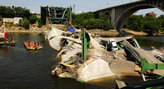 50 000 amerikai híd szerkezetileg meghibásodva