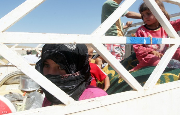 Naponta háromszor erőszakolják meg az elrabolt kiskorú lányokat az Iszlám Állam hős harcosai