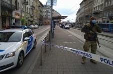 Szóváltó társaság késelt a Mester utcai villamosmegállóban Budapesten
