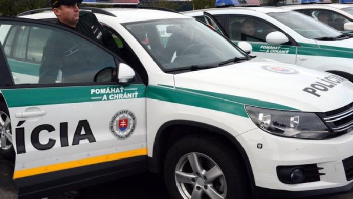 Álrendőr bünteti a gépjárművezetőket