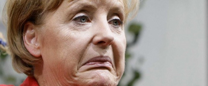 Merkel rosszul lett a német himnusz alatt