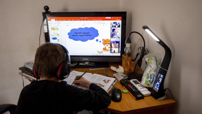 Segít a Telenor az otthontanulásban