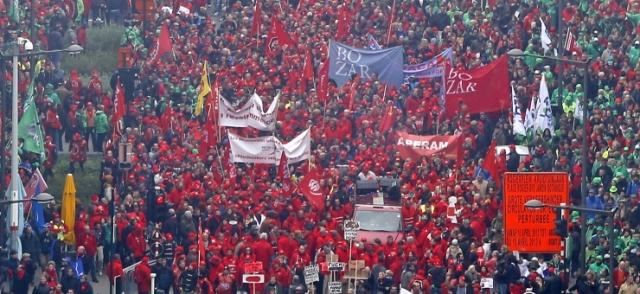 Brüsszel megbénult, valódi szakszervezeti tevékenység miatt