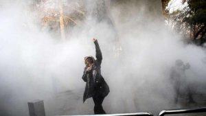 Halálos áldozatai is vannak az iráni tüntetéseknek (videók)