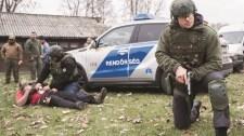 Ellenséges hangulatú tömegből mentették ki az államfőt Budapesten