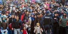 Új útvonalakra terelődik a migránsok áradata