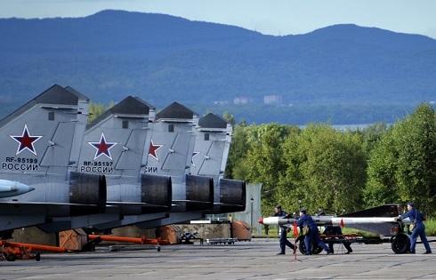 Oroszország- Teljes harckészültség, csapat átcsoportosítás
