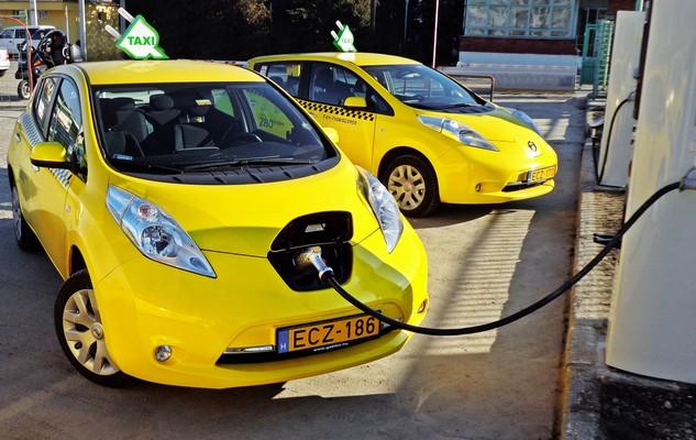 Ismét lehet pályázni elektromos taxira