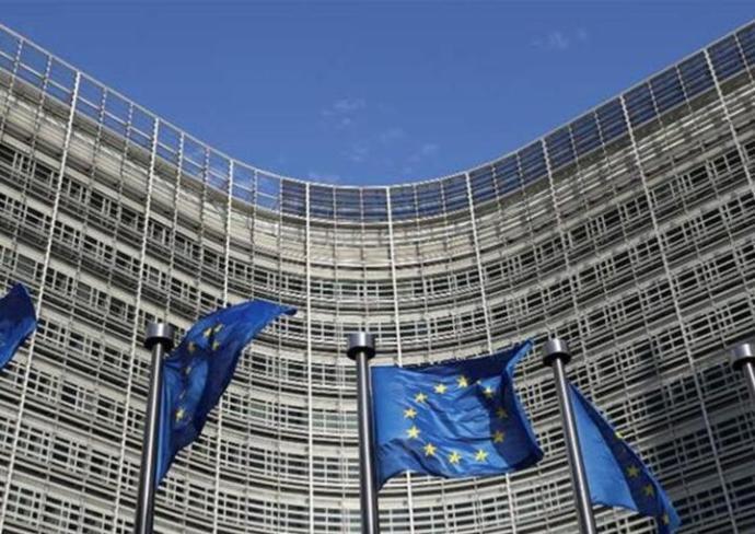 Koronavírus: Az EU 123 millió eurót mozgósít a vírusvariánsokkal összefüggő kutatásokra
