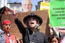 Erre tart a klímabolsevizmus: Jane Fonda már nürnbergi pereket akar azok ellen, akik nem harcolnak velük