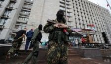 Heves harcok, ágyútűz és vonuló páncélosok Ukrajnában